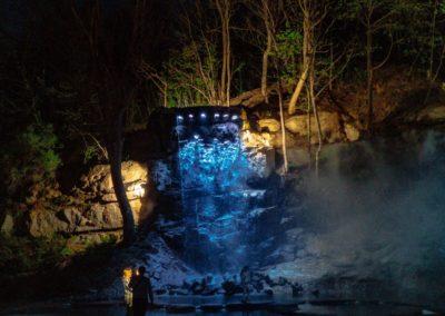 Водопад ночью
