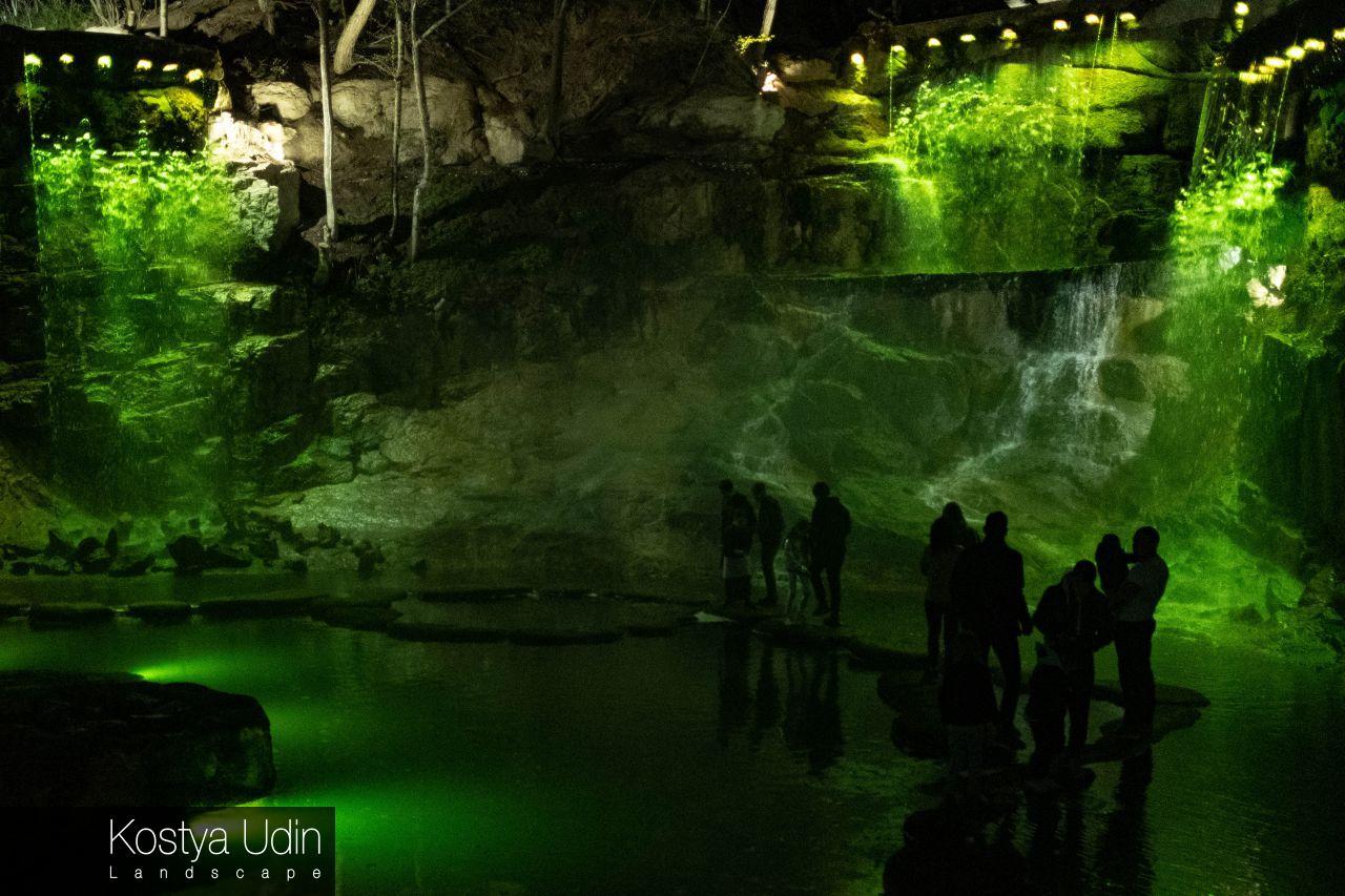 Умань, водопады ночью