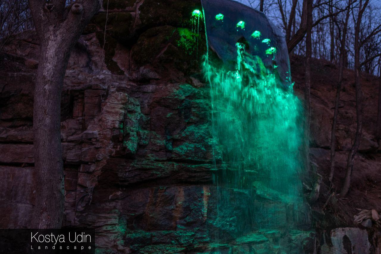 Ночной водопад