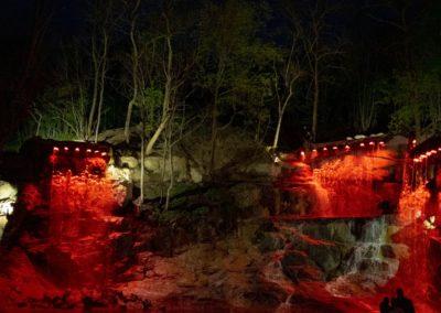 Комплекс водопадов ночью
