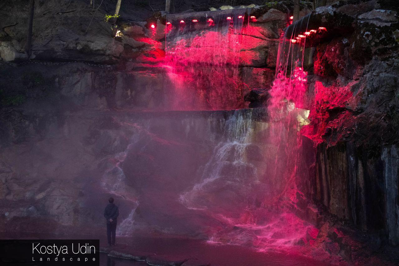 Умань водопады (освещение)