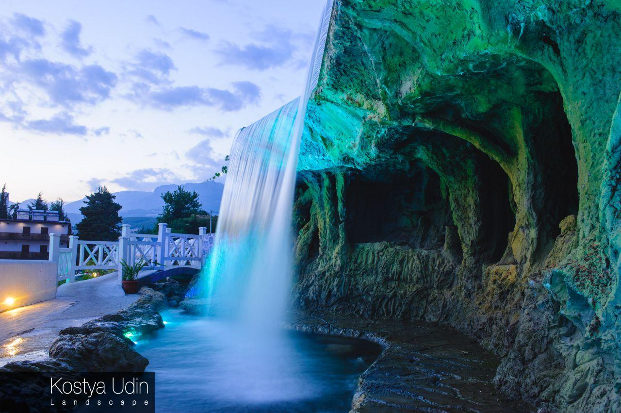 Водопад отеля, селфи зона