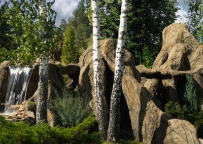 Декоративные скалы с водопадом