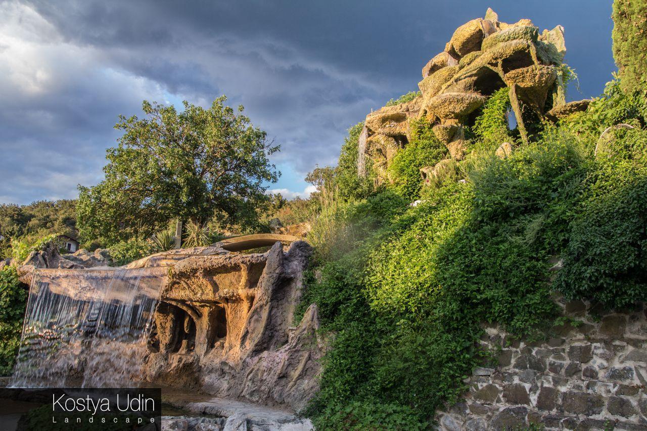 Многоярусный водопад