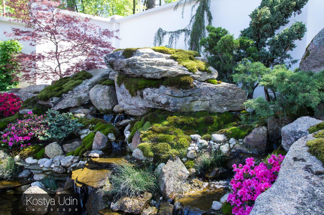 Ландшафт водопада из натурального камня