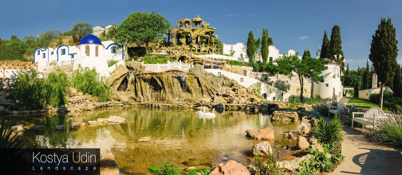 Четырехуровневый водопад для отеля