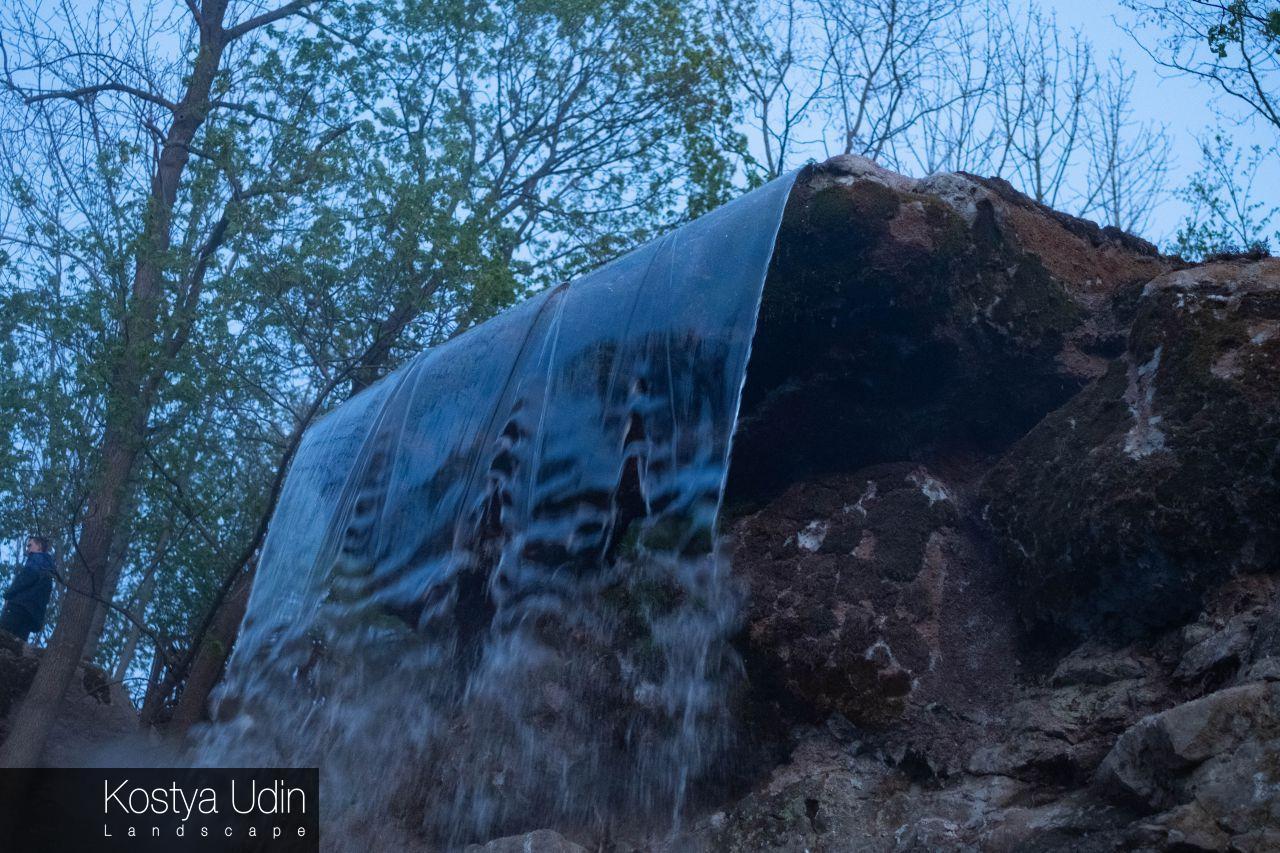 Искусственный парковый водопад