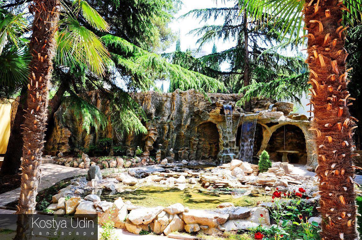Водопад грот, декоративное озеро