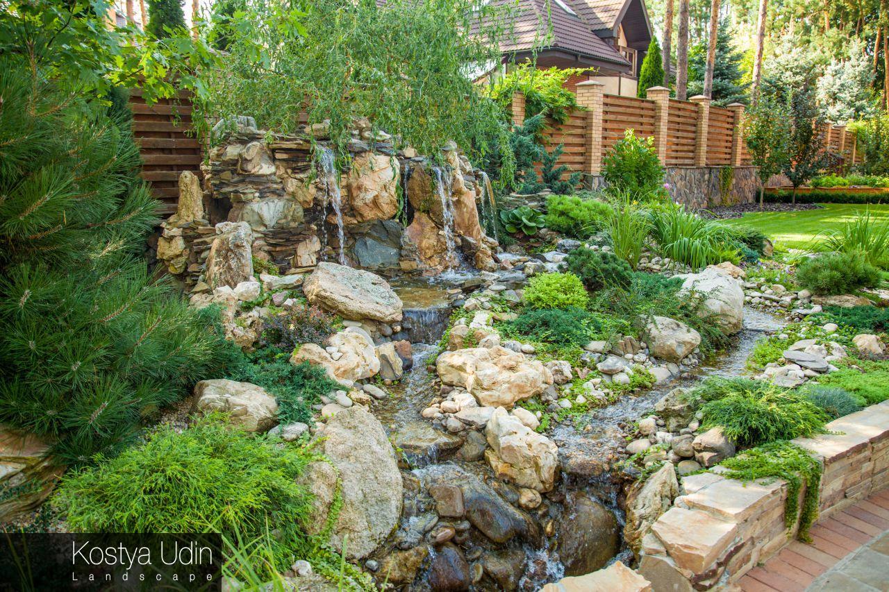 Искусственный водопад с натуральным камнем